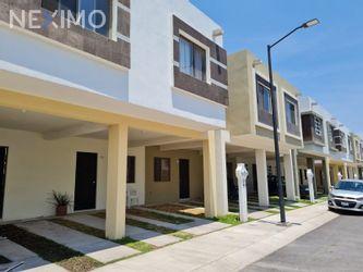 NEX-46905 - Casa en Venta, con 3 recamaras, con 2 baños, con 1 medio baño, con 112 m2 de construcción en Vistas del Valle, CP 76116, Querétaro.