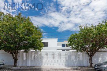 NEX-47784 - Casa en Venta, con 3 recamaras, con 2 baños, con 1 medio baño, con 228 m2 de construcción en Los Nogales, CP 76900, Querétaro.