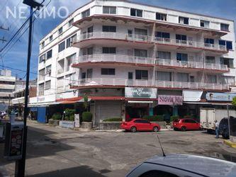 NEX-16863 - Local en Venta, con 10 recamaras, con 10 baños, con 5 medio baños, con 2102 m2 de construcción en 5 de Mayo, CP 39790, Guerrero.