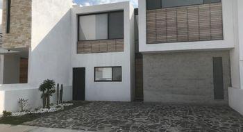 NEX-22931 - Casa en Renta en Lomas de Juriquilla, CP 76226, Querétaro, con 3 recamaras, con 3 baños, con 1 medio baño, con 260 m2 de construcción.