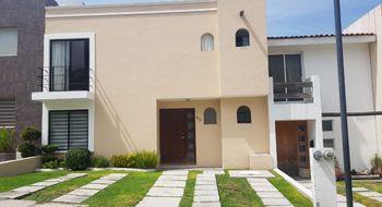 NEX-23052 - Casa en Renta en Monte Blanco III, CP 76087, Querétaro, con 2 recamaras, con 2 baños, con 1 medio baño, con 208 m2 de construcción.