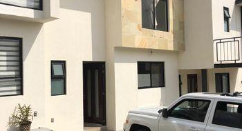 NEX-32047 - Casa en Renta en Monte Blanco I, CP 76087, Querétaro, con 3 recamaras, con 2 baños, con 1 medio baño, con 130 m2 de construcción.
