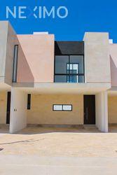 NEX-48337 - Casa en Venta, con 2 recamaras, con 2 baños, con 1 medio baño, con 177 m2 de construcción en Santa Gertrudis Copo, CP 97305, Yucatán.