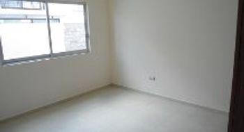 NEX-25765 - Casa en Renta en Residencial el Refugio, CP 76146, Querétaro, con 4 recamaras, con 2 baños, con 1 medio baño, con 152 m2 de construcción.