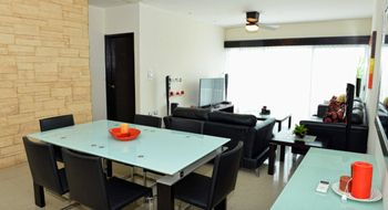 NEX-16912 - Departamento en Renta en Cancún Centro, CP 77500, Quintana Roo, con 3 recamaras, con 2 baños, con 1 medio baño, con 170 m2 de construcción.