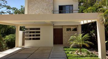 NEX-19424 - Casa en Renta en Puerto Morelos, CP 77580, Quintana Roo, con 3 recamaras, con 3 baños, con 2 medio baños, con 237 m2 de construcción.