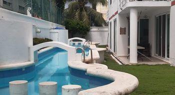 NEX-22488 - Casa en Renta en Supermanzana 17, CP 77505, Quintana Roo, con 3 recamaras, con 3 baños, con 1 medio baño, con 150 m2 de construcción.