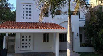 NEX-18495 - Casa en Renta en Residencial Cumbres, CP 77560, Quintana Roo, con 4 recamaras, con 4 baños, con 350 m2 de construcción.