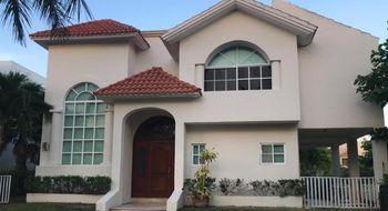 NEX-18782 - Casa en Renta en Zona Hotelera, CP 77500, Quintana Roo, con 3 recamaras, con 4 baños, con 1 medio baño, con 320 m2 de construcción.