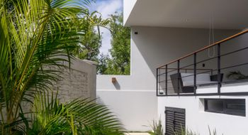 NEX-20487 - Casa en Renta en Zona Hotelera, CP 77500, Quintana Roo, con 4 recamaras, con 3 baños, con 1 medio baño, con 220 m2 de construcción.