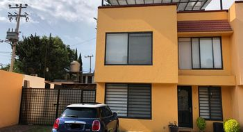 NEX-19174 - Casa en Venta en Granjas Coapa, CP 14330, Ciudad de México, con 4 recamaras, con 2 baños, con 1 medio baño, con 138 m2 de construcción.