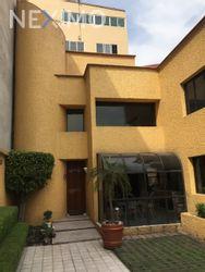 NEX-19594 - Casa en Venta, con 4 recamaras, con 2 baños, con 1 medio baño, con 245 m2 de construcción en Granjas Coapa, CP 14330, Ciudad de México.
