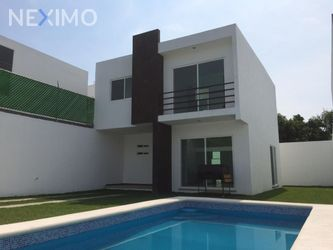 NEX-17926 - Casa en Venta, con 3 recamaras, con 3 baños, con 1 medio baño, con 250 m2 de construcción en 3 de Mayo, CP 62763, Morelos.