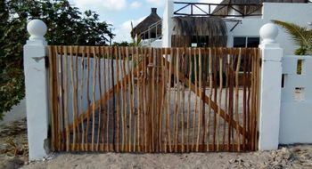 NEX-18943 - Casa en Venta en Chuburna Puerto, CP 97336, Yucatán, con 2 recamaras, con 2 baños, con 270 m2 de construcción.