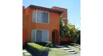 NEX-24212 - Casa en Renta en Lomas de Atzingo, CP 62180, Morelos, con 3 recamaras, con 2 baños, con 1 medio baño, con 210 m2 de construcción.