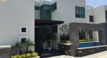 NEX-26052 - Casa en Venta en Burgos, CP 62584, Morelos, con 4 recamaras, con 5 baños, con 488 m2 de construcción.