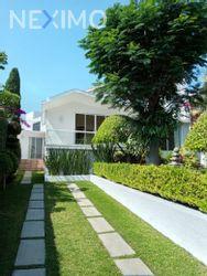 NEX-26765 - Casa en Renta en Lomas de Tetela, CP 62156, Morelos, con 4 recamaras, con 3 baños, con 220 m2 de construcción.