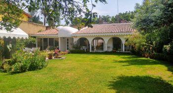NEX-31209 - Casa en Venta en Vista Hermosa, CP 62290, Morelos, con 3 recamaras, con 3 baños, con 1 medio baño, con 350 m2 de construcción.