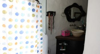 NEX-31396 - Casa en Venta en Delicias, CP 62330, Morelos, con 5 recamaras, con 9 baños, con 633 m2 de construcción.