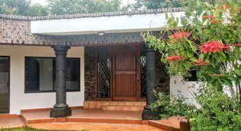 NEX-32870 - Casa en Renta en Ahuatepec, CP 62300, Morelos, con 3 recamaras, con 2 baños, con 290 m2 de construcción.