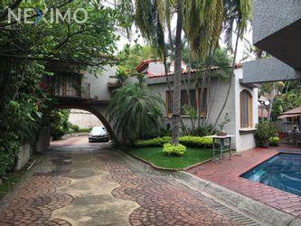 NEX-44377 - Casa en Renta, con 3 recamaras, con 3 baños, con 200 m2 de construcción en Acapatzingo, CP 62493, Morelos.