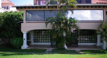NEX-19068 - Casa en Renta en Zona Hotelera, CP 77500, Quintana Roo, con 2 recamaras, con 2 baños, con 1 medio baño, con 250 m2 de construcción.