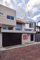 NEX-32336 - Casa en Venta en Colinas del Bosque, CP 14608, Ciudad de México, con 3 recamaras, con 3 baños, con 1 medio baño, con 609 m2 de construcción.
