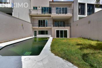 NEX-32336 - Casa en Venta, con 3 recamaras, con 3 baños, con 1 medio baño, con 609 m2 de construcción en Colinas del Bosque, CP 14608, Ciudad de México.