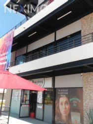 NEX-21082 - Local en Renta, con 1 recamara, con 1 medio baño, con 91 m2 de construcción en El Mirador, CP 76246, Querétaro.