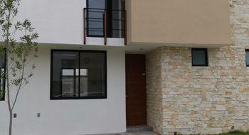 NEX-31776 - Casa en Renta en El Pueblito Centro, CP 76900, Querétaro, con 3 recamaras, con 2 baños, con 1 medio baño, con 110 m2 de construcción.