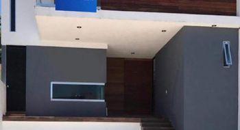 NEX-32257 - Casa en Renta en Cumbres del Lago, CP 76230, Querétaro, con 4 recamaras, con 5 baños, con 258 m2 de construcción.
