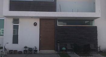 NEX-32687 - Casa en Renta en Juriquilla, CP 76226, Querétaro, con 4 recamaras, con 3 baños, con 1 medio baño, con 208 m2 de construcción.