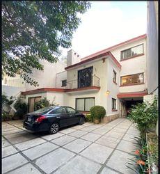 NEX-37603 - Casa en Venta en Insurgentes San Borja, CP 03100, Ciudad de México, con 5 recamaras, con 3 baños, con 2 medio baños, con 520 m2 de construcción.