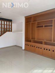 NEX-39753 - Casa en Venta en Supermanzana 57, CP 77533, Quintana Roo, con 2 recamaras, con 1 baño, con 1 medio baño, con 70 m2 de construcción.