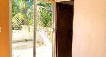 NEX-25557 - Casa en Renta en Supermanzana 312, CP 77533, Quintana Roo, con 3 recamaras, con 2 baños, con 131 m2 de construcción.