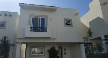 NEX-25924 - Casa en Renta en Supermanzana 50, CP 77533, Quintana Roo, con 3 recamaras, con 2 baños, con 1 medio baño, con 200 m2 de construcción.