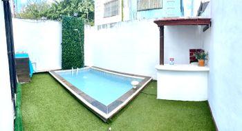 NEX-27408 - Casa en Venta en Supermanzana 504, CP 77533, Quintana Roo, con 2 recamaras, con 1 baño, con 1 medio baño, con 73 m2 de construcción.