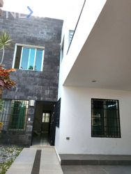 NEX-29309 - Casa en Renta en Supermanzana 55, CP 77533, Quintana Roo, con 4 recamaras, con 4 baños, con 1 medio baño, con 100 m2 de construcción.