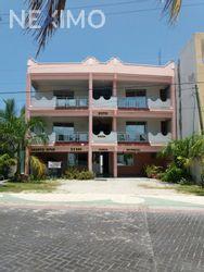 NEX-30186 - Hotel en Venta, con 25 recamaras, con 25 baños, con 900 m2 de construcción en Supermanzana 2a Centro, CP 77500, Quintana Roo.