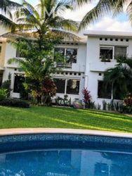 NEX-30434 - Casa en Renta, con 3 recamaras, con 4 baños, con 210 m2 de construcción en Álamos I, CP 77533, Quintana Roo.