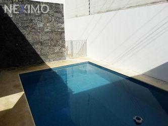 NEX-36225 - Casa en Venta, con 3 recamaras, con 3 baños, con 1 medio baño, con 280 m2 de construcción en Álamos I, CP 77533, Quintana Roo.