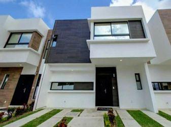 NEX-37533 - Casa en Venta en Arbolada, CP 77533, Quintana Roo, con 3 recamaras, con 2 baños, con 1 medio baño, con 180 m2 de construcción.