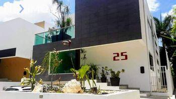 NEX-39836 - Casa en Renta, con 3 recamaras, con 3 baños, con 1 medio baño, con 280 m2 de construcción en Residencial Cumbres, CP 77560, Quintana Roo.