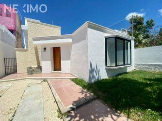 NEX-47170 - Casa en Renta, con 3 recamaras, con 2 baños, con 1 medio baño, con 250 m2 de construcción en Supermanzana 20 Centro, CP 77500, Quintana Roo.
