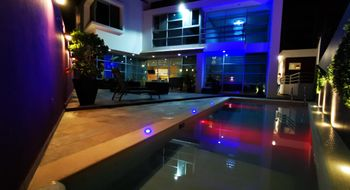 NEX-20591 - Casa en Venta en Residencial Cumbres, CP 77560, Quintana Roo, con 5 recamaras, con 6 baños, con 1 medio baño, con 340 m2 de construcción.