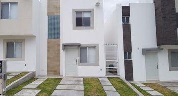 NEX-24696 - Casa en Renta en El Rosario, CP 76260, Querétaro, con 2 recamaras, con 1 baño, con 1 medio baño, con 71 m2 de construcción.