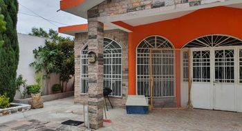 NEX-34701 - Casa en Venta en Lagunillas, CP 76980, Querétaro, con 5 recamaras, con 2 baños, con 1 medio baño, con 403 m2 de construcción.