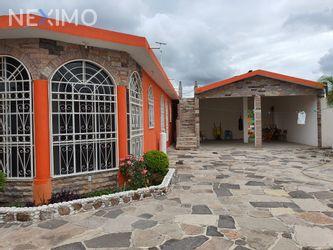 NEX-34701 - Casa en Venta, con 5 recamaras, con 2 baños, con 1 medio baño, con 403 m2 de construcción en Lagunillas, CP 76980, Querétaro.