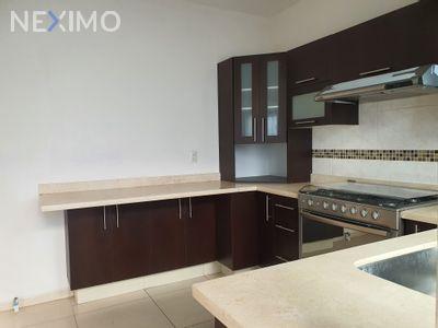 Casa en Venta en Residencial el Refugio, Querétaro, Querétaro | NEX-36376 | Neximo | Foto 3 de 5