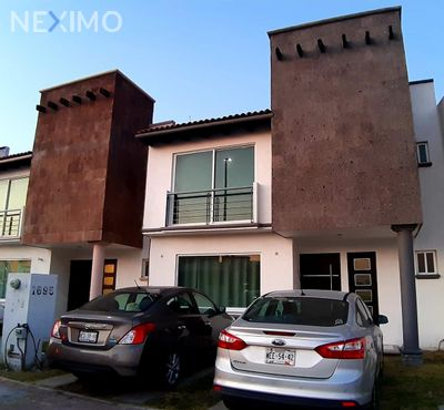 Casa en Venta en Residencial el Refugio, Querétaro, Querétaro | NEX-36376 | Neximo | Foto 2 de 5